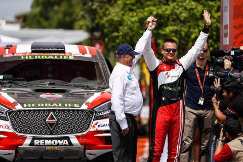 Nicolas Fuchs steers Borgward BX7 DKR to 3rd place at 2018 Dakar Rally's first stage